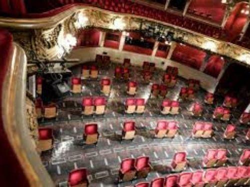 Élő színházi közvetítés